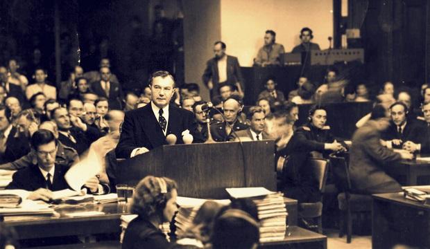 75 năm phiên tòa Nuremberg, công tố viên cuối cùng còn sống vẫn không ngừng truyền tải thông điệp hòa bình - Ảnh 3.