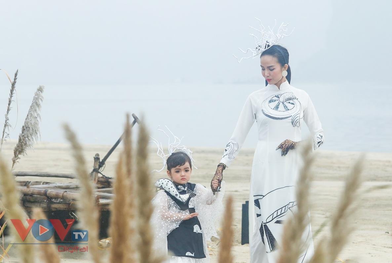 Độc đáo Festival áo dài Quảng Ninh 2020: Về miền di sản - Ảnh 6.