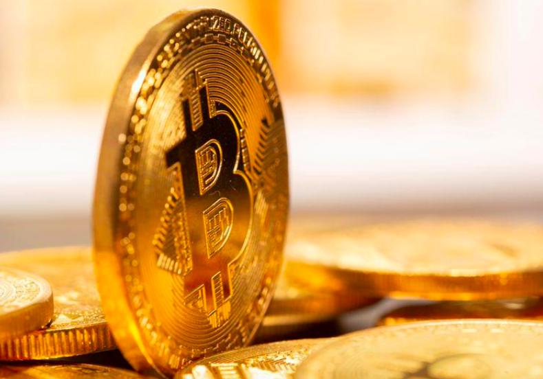 """Bitcoin lao dốc về mốc 33.000 USD: """"Bong bóng mẹ"""" đang xì hơi? - Ảnh 1."""