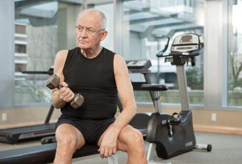 Tập gym để dẻo dai khi về già? - Ảnh 1.