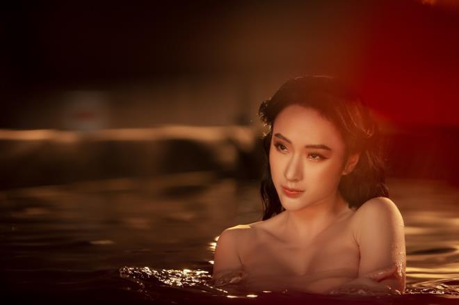 Sau 3 năm rút khỏi showbiz, Angela Phương Trinh tung bộ ảnh kiêu sa, gợi cảm - Ảnh 7.