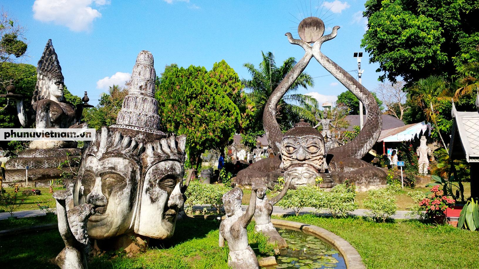 Độc đáo những bức tượng rắn trong chùa ở Viêng Chăn - Ảnh 7.
