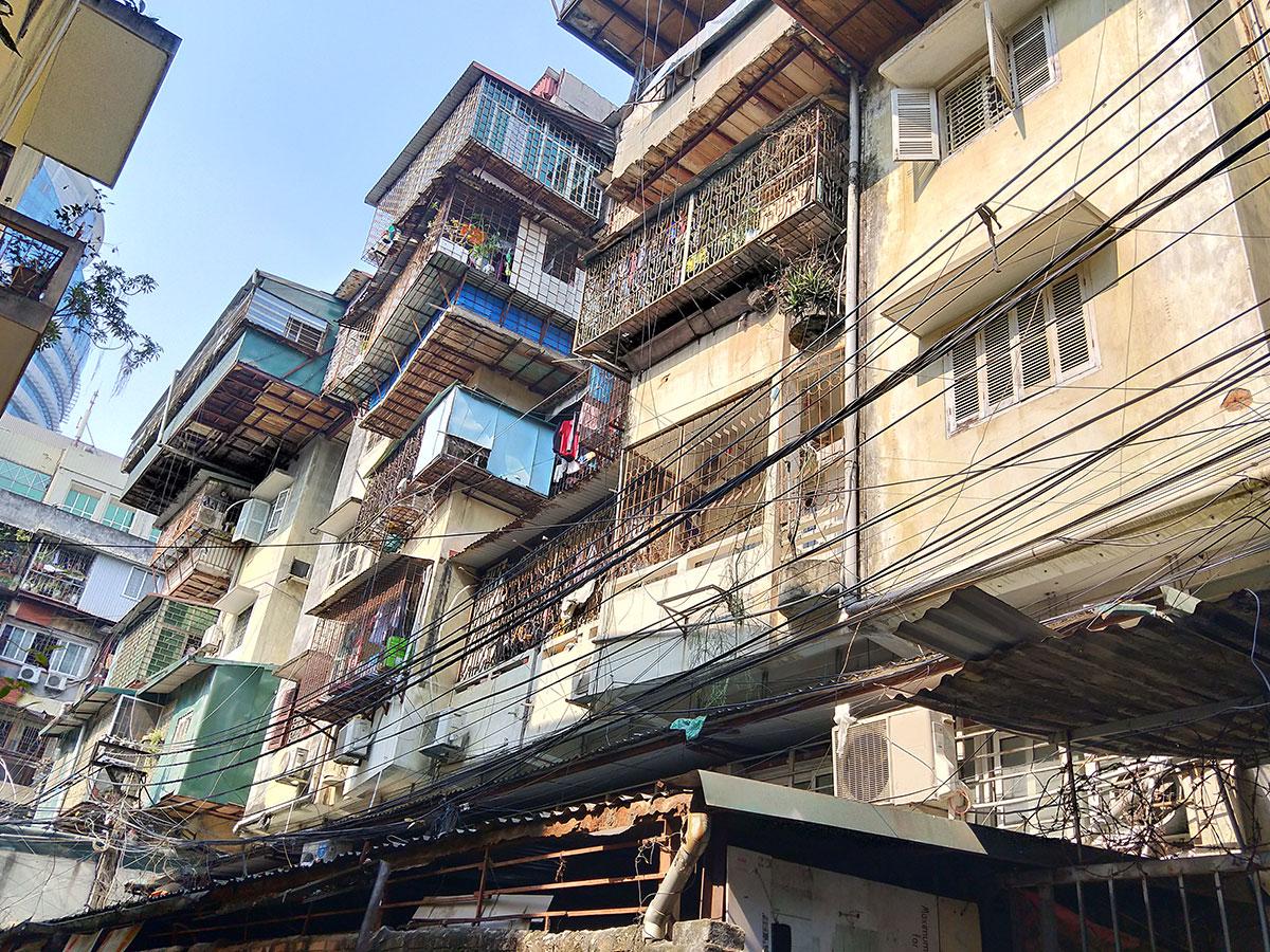 Người dân Thủ đô sống thấp thỏm trong những khu tập thể 'chờ sập' - Ảnh 13.