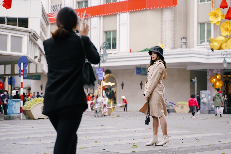Giới trẻ Hà Nội mặc sành điệu giữa tiết trời 16 độ C - Ảnh 6.