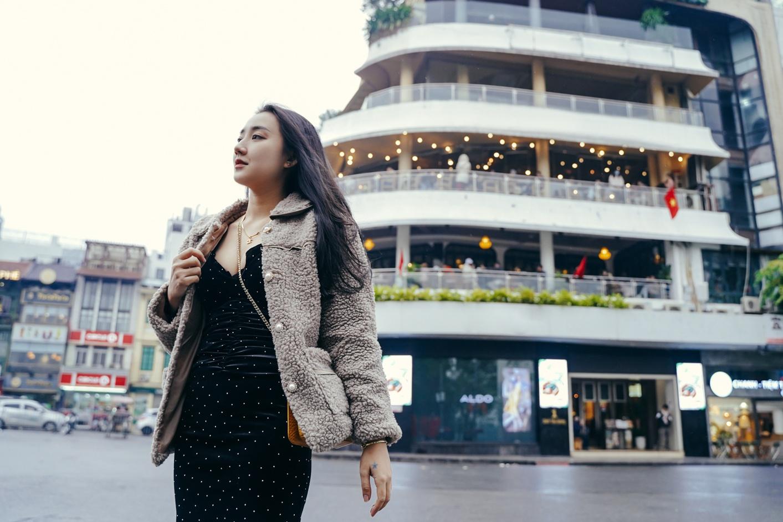 Giới trẻ Hà Nội mặc sành điệu giữa tiết trời 16 độ C - Ảnh 3.