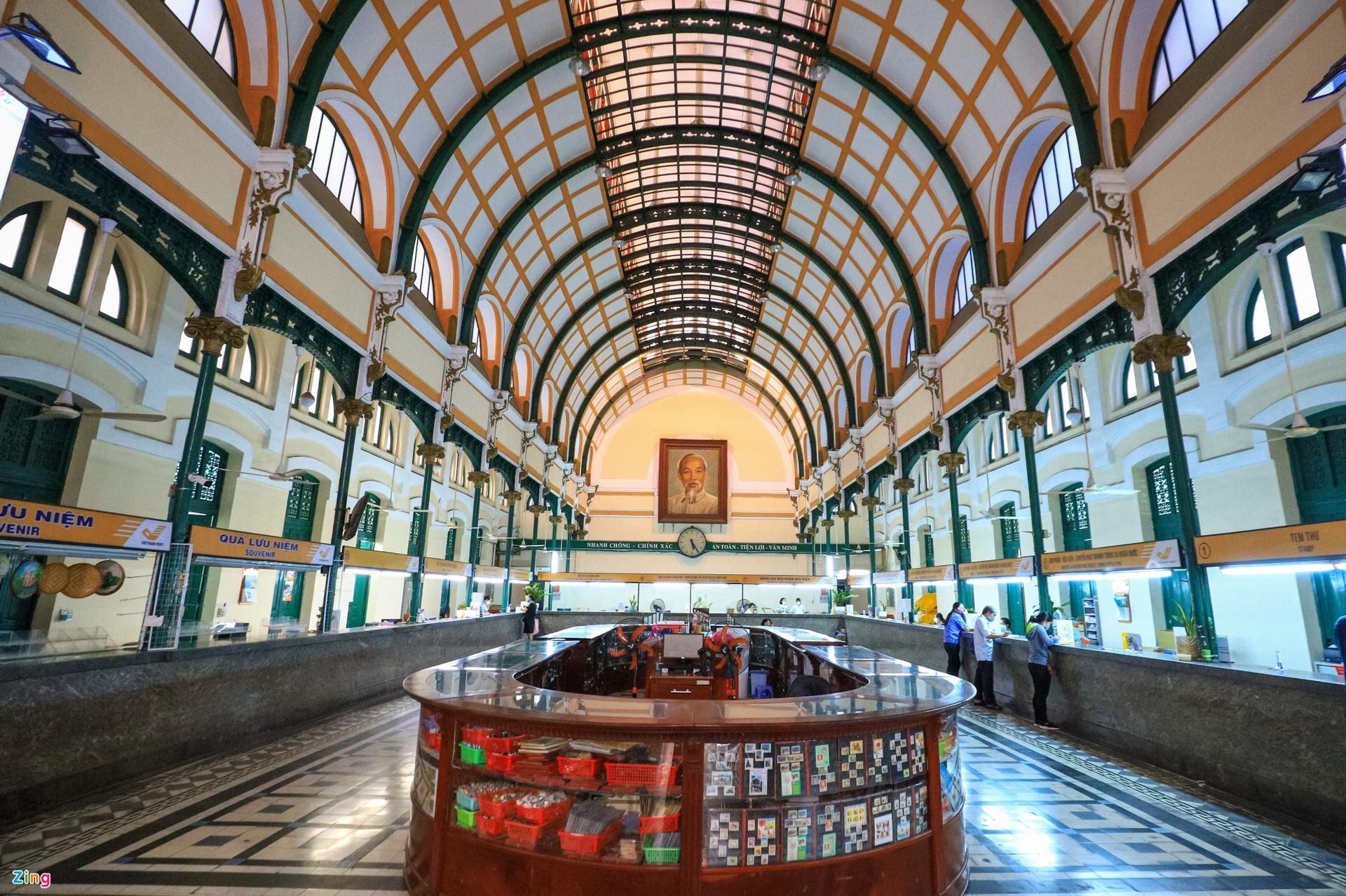 10 địa điểm hút khách nước ngoài ở TP.HCM - Ảnh 7.