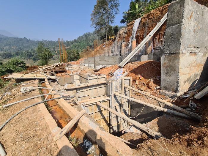 Công trình trái phép 'bức tử' ruộng bậc thang ở Sa Pa - Ảnh 2.