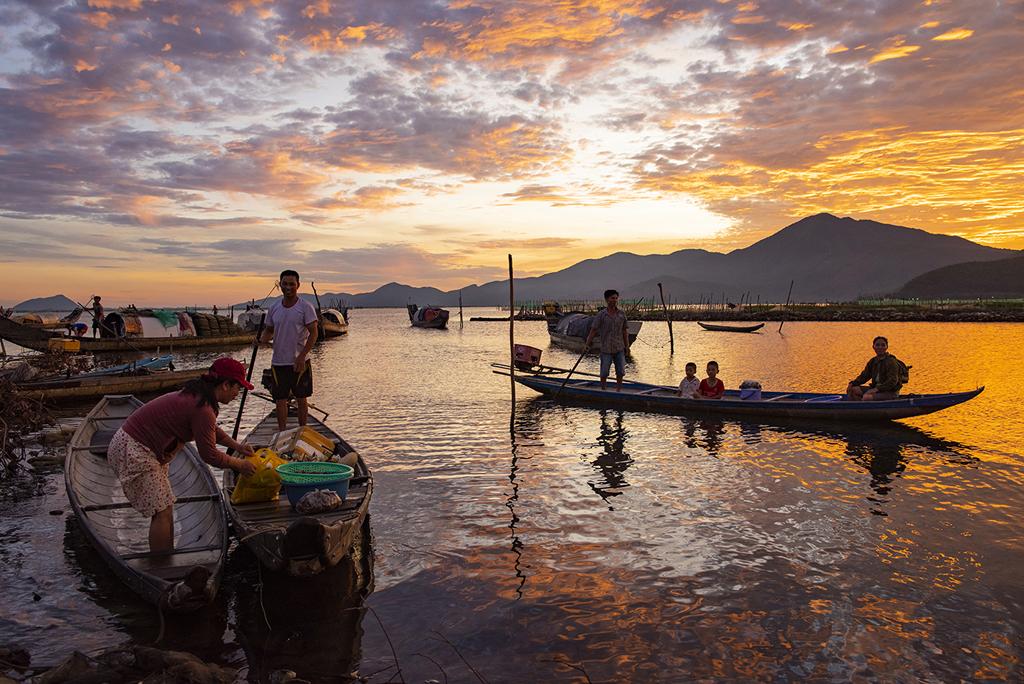 Vẻ đẹp đầm Cầu Hai qua góc nhìn của tay máy Khang Chu Long - Ảnh 2.