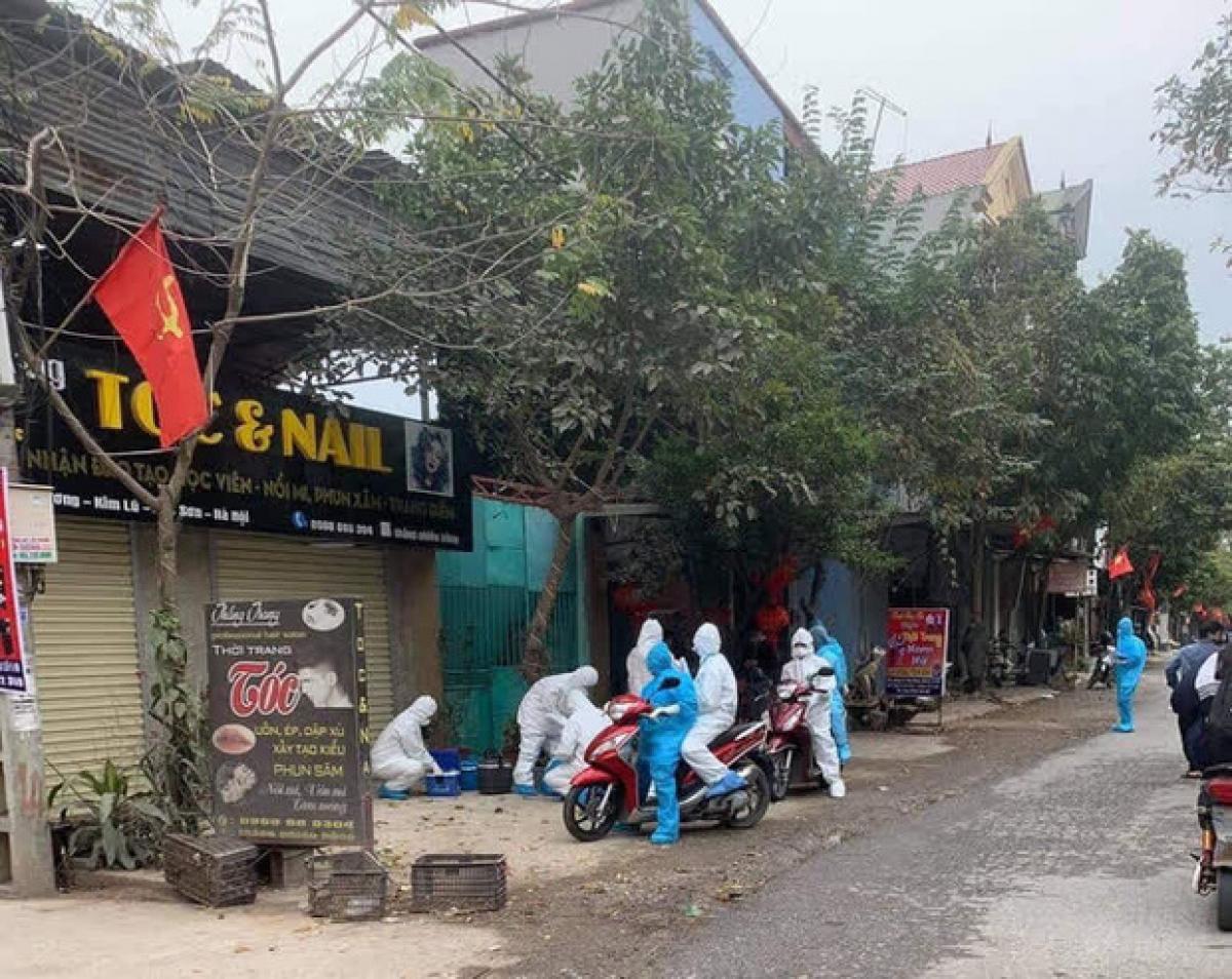 Hà Nội phong tỏa căn nhà số 88 phố Hàng Gai liên quan ca nghi mắc Covid-19 - Ảnh 1.