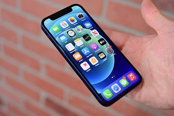 Đại lý xả hàng, iPhone 12 Mini 'sập giá' tại Việt Nam - Ảnh 1.