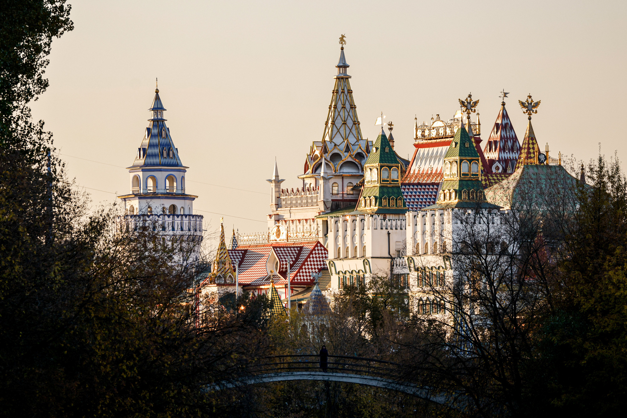 View at the Izmailovsky Kremlin during a sunny autumn day in Moscow.jpeg