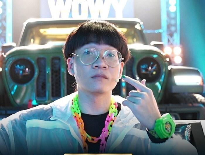 Rap Việt mùa 2 chưa 'khai hỏa', Wowy đã gây hài với mái tóc 'úp tô' - Ảnh 4.