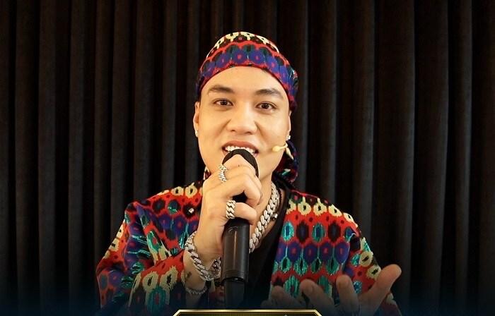 Rap Việt mùa 2 chưa 'khai hỏa', Wowy đã gây hài với mái tóc 'úp tô' - Ảnh 2.