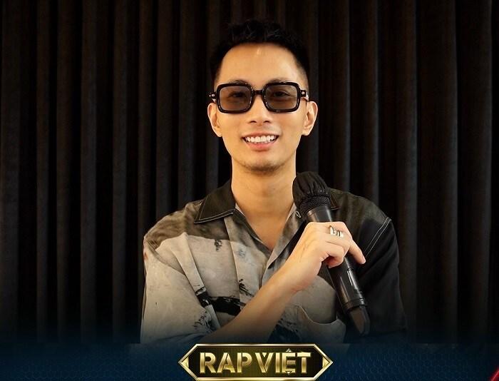 Rap Việt mùa 2 chưa 'khai hỏa', Wowy đã gây hài với mái tóc 'úp tô' - Ảnh 1.