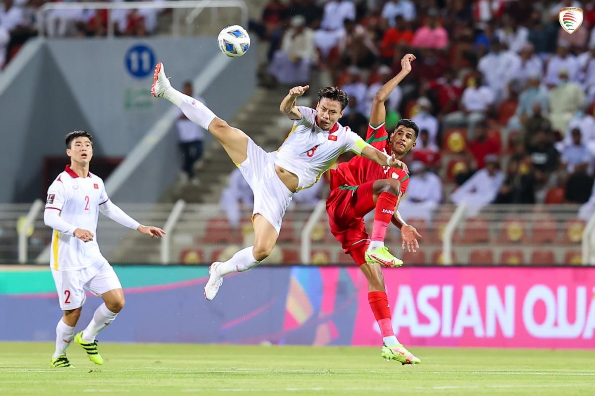 Dư âm Oman 3-1 Việt Nam: Nỗ lực thay đổi bất thành của HLV Park Hang Seo - Ảnh 2.