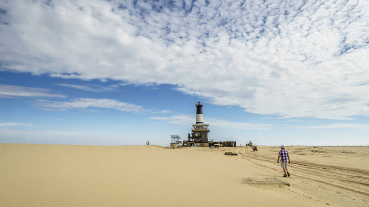 Khám phá những vùng đất khô hạn nhất trên thế giới - Ảnh 2.