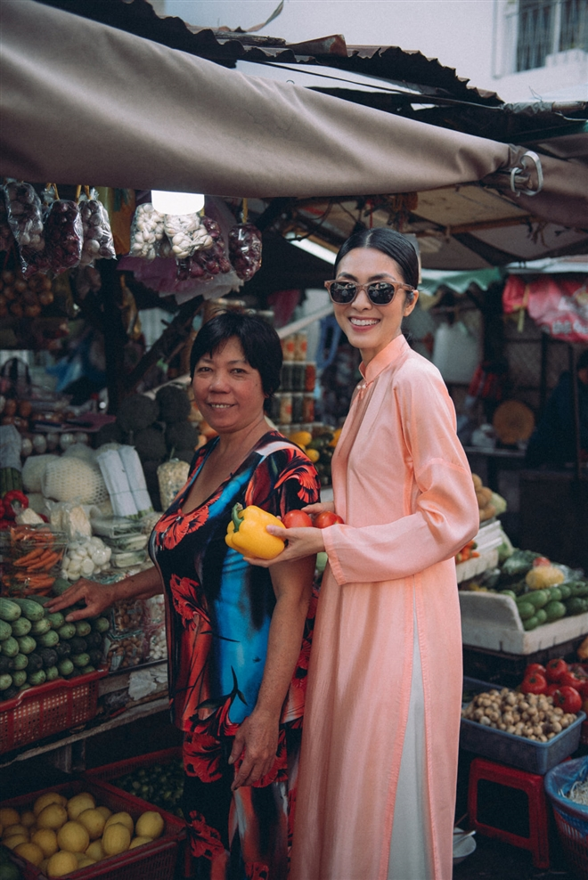 Tăng Thanh Hà diện áo dài sánh bước cùng người mẫu Quang Tuyến - Ảnh 7.