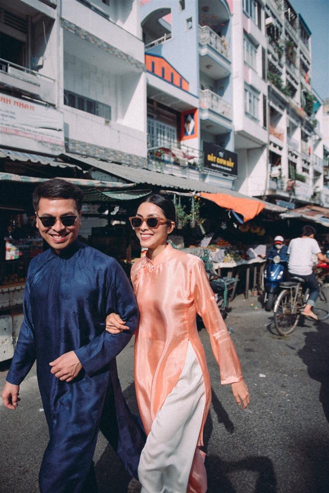 Tăng Thanh Hà diện áo dài sánh bước cùng người mẫu Quang Tuyến - Ảnh 2.