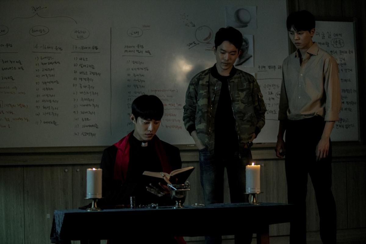 """""""Lời xưng tội số 8"""" - Rùng rợn bộ phim kinh dị lấy bối cảnh học đường - Ảnh 2."""