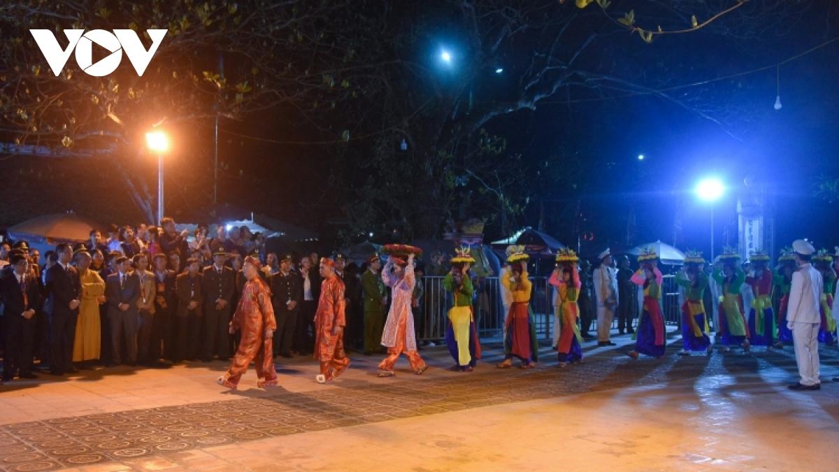 Mùa lễ hội xuân Tân Sửu yên ắng vì dịch Covid-19 - Ảnh 1.