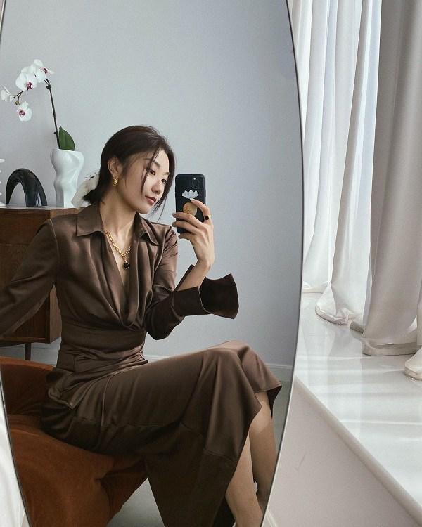 10 set đồ sang chảnh của sao Hàn, nàng mặc đẹp ngày Hà Nội mưa lạnh - Ảnh 11.