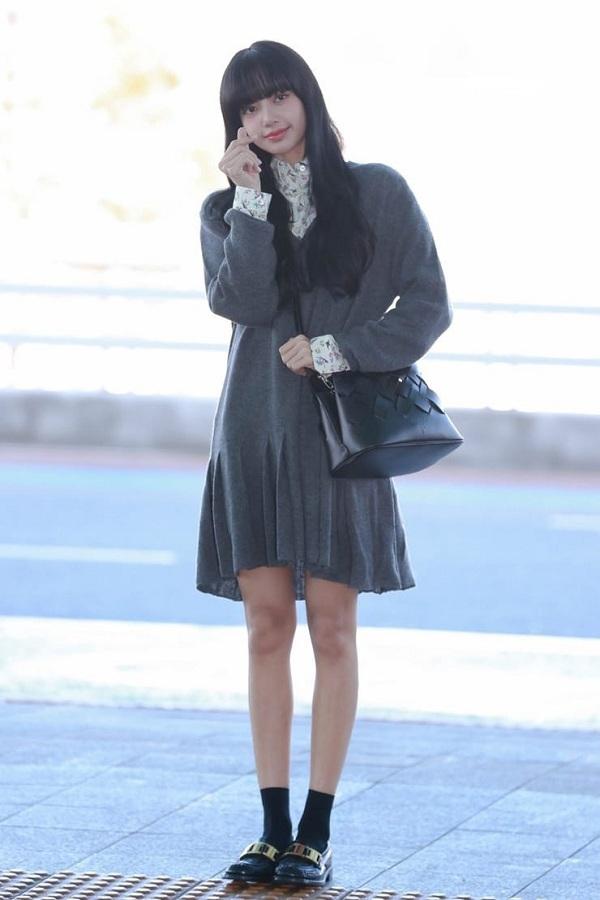 10 set đồ sang chảnh của sao Hàn, nàng mặc đẹp ngày Hà Nội mưa lạnh - Ảnh 8.