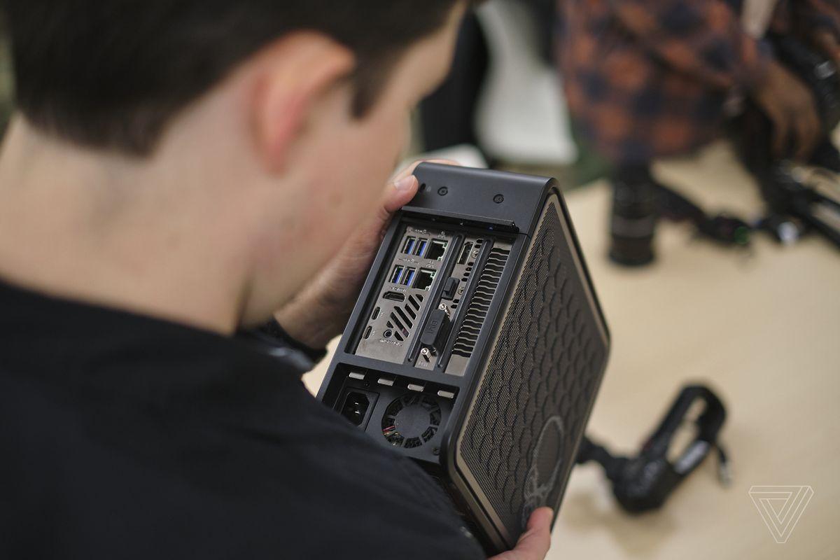 Cựu nhân viên Apple đang tạo ra chiếc laptop chưa từng có - Ảnh 2.
