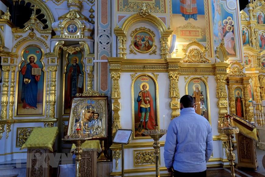 Ngôi đền thiêng của những người thợ rèn súng Kalashnikov - Ảnh 2.