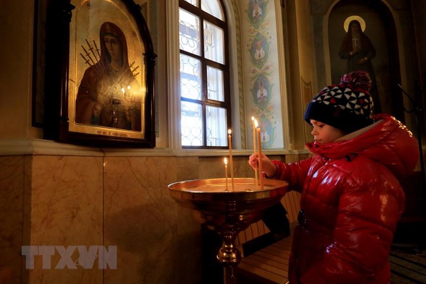 Ngôi đền thiêng của những người thợ rèn súng Kalashnikov - Ảnh 11.