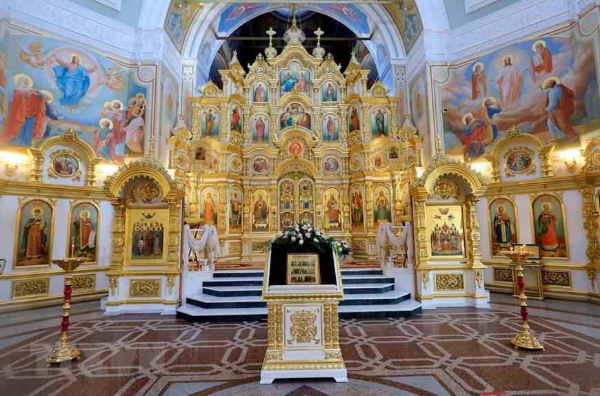 Ngôi đền thiêng của những người thợ rèn súng Kalashnikov - Ảnh 3.