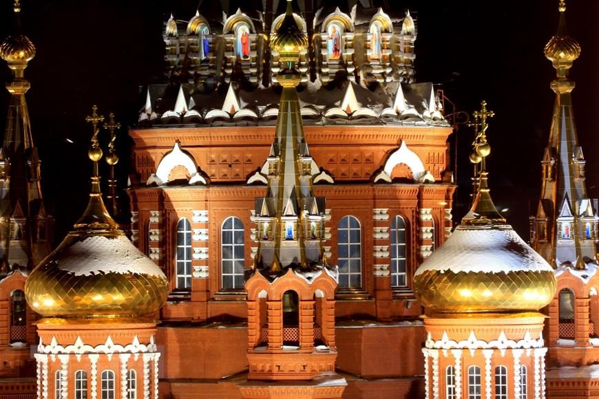 Ngôi đền thiêng của những người thợ rèn súng Kalashnikov - Ảnh 5.