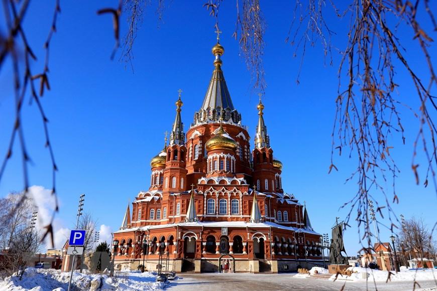 Ngôi đền thiêng của những người thợ rèn súng Kalashnikov - Ảnh 1.