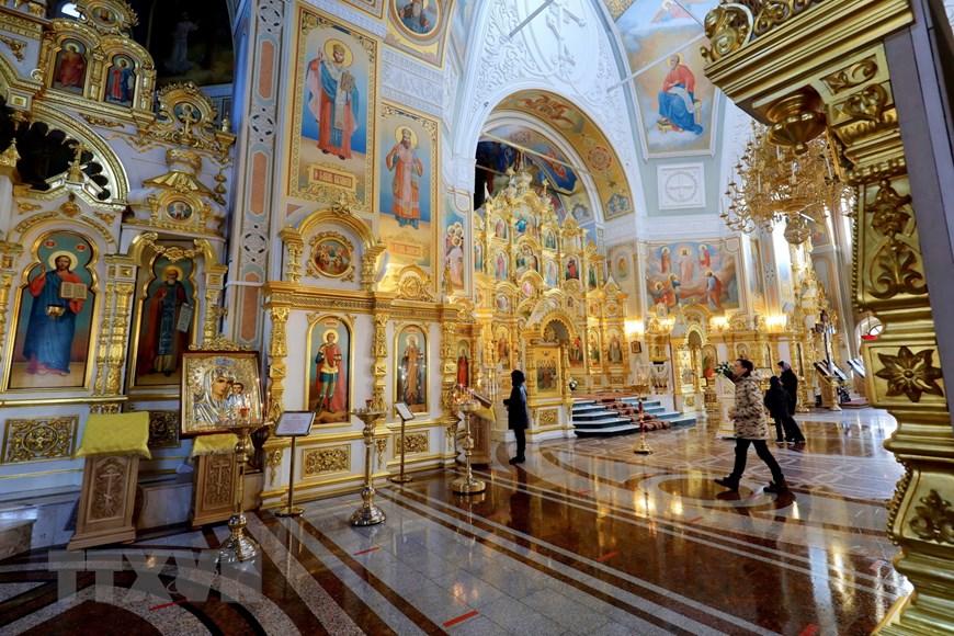 Ngôi đền thiêng của những người thợ rèn súng Kalashnikov - Ảnh 7.