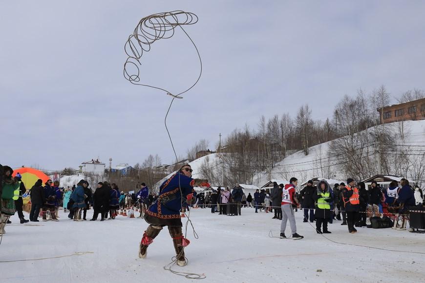 Rực rỡ sắc màu lễ hội người chăn hươu phương Bắc Nga - Ảnh 21.