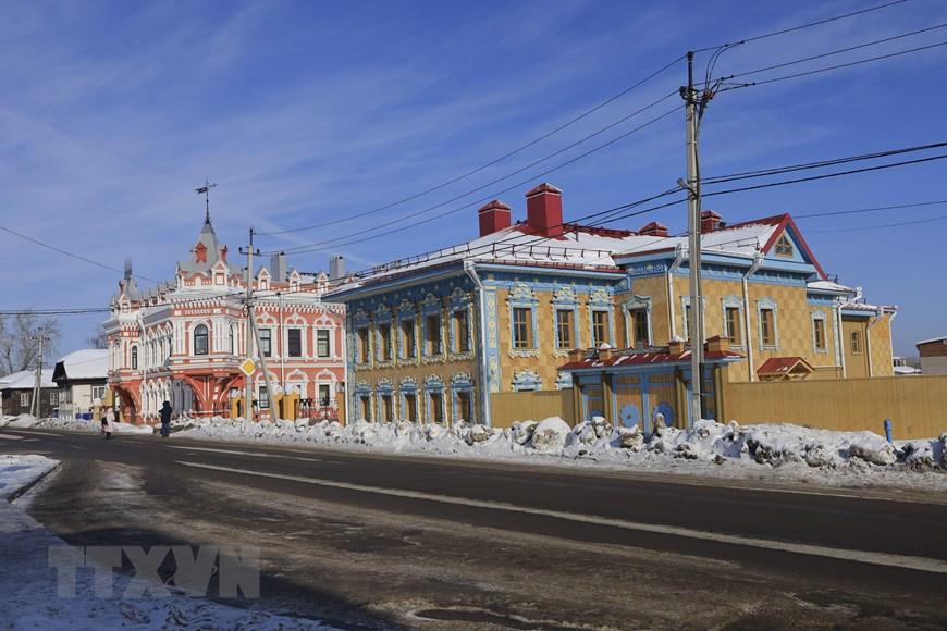 Vẻ đẹp cổ kính của những ngôi nhà hơn trăm tuổi ở Udmurtia  - Ảnh 1.