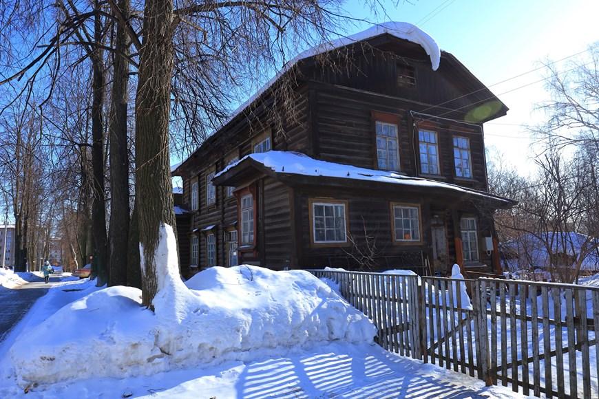 Vẻ đẹp cổ kính của những ngôi nhà hơn trăm tuổi ở Udmurtia  - Ảnh 5.