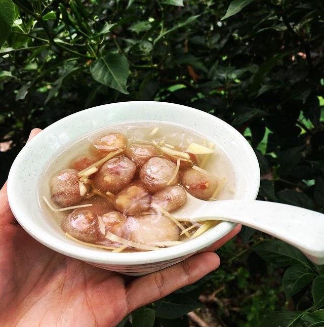 Lạ miệng chè heo quay 'độc nhất vô nhị' ở Huế, thách thức tín đồ ẩm thực - Ảnh 5.
