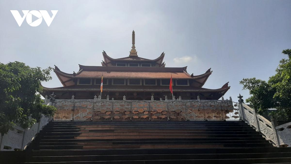 Thăm ngôi chùa có khuôn viên rộng tới 20.000m2 - Ảnh 1.