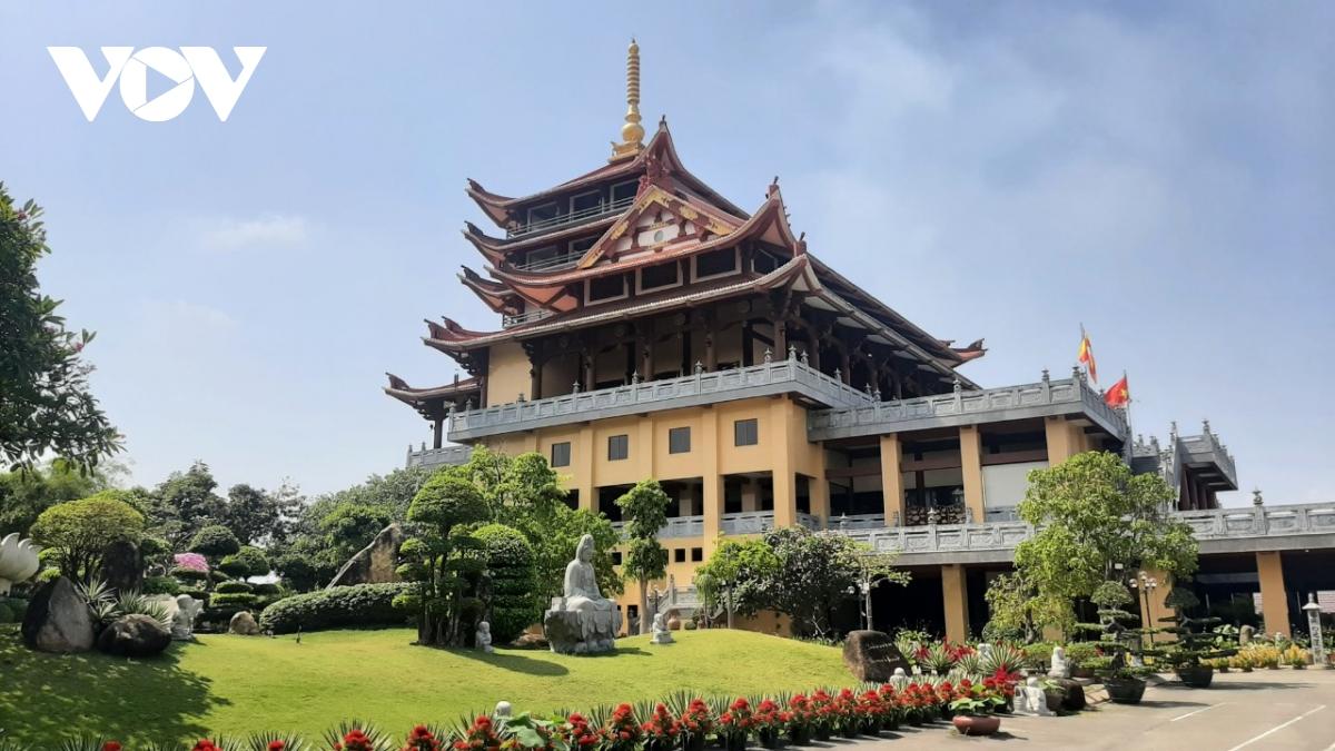 Thăm ngôi chùa có khuôn viên rộng tới 20.000m2 - Ảnh 2.