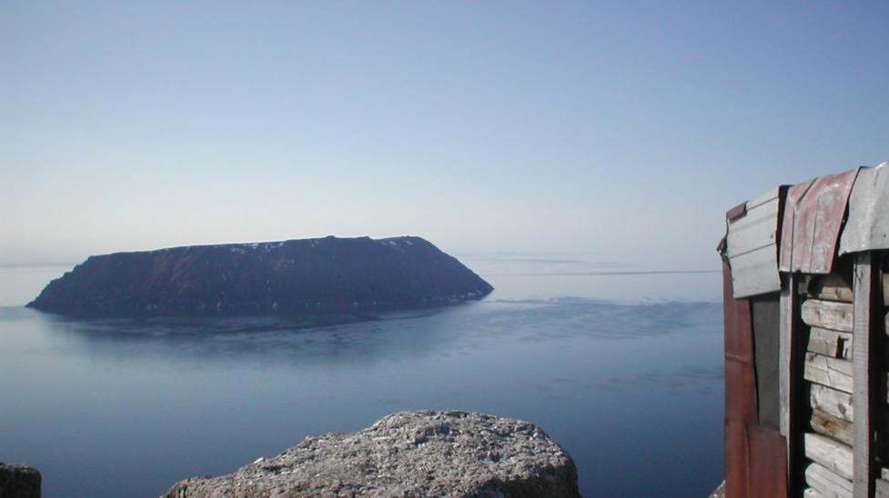 Lạ kỳ hai hòn đảo cách nhau 4km có thể 'quay ngược thời gian' - Ảnh 2.