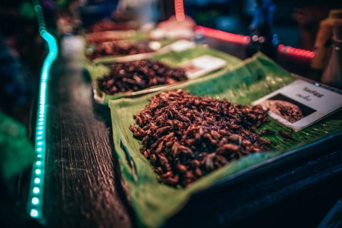10 món ăn kỳ lạ nhất định phải thử khi du lịch đến Thái Lan - Ảnh 3.