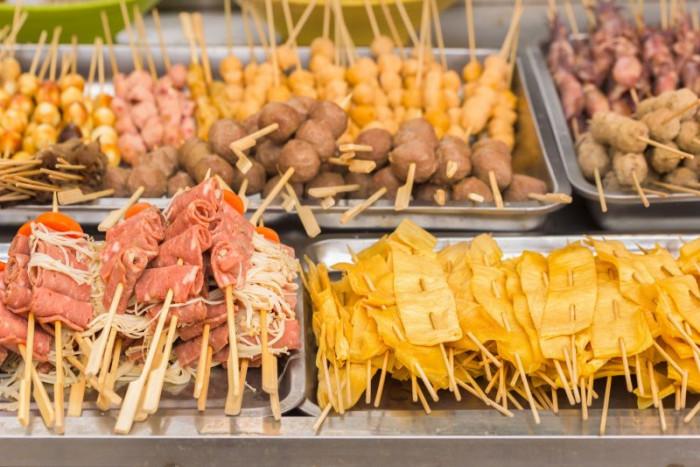 10 món ăn kỳ lạ nhất định phải thử khi du lịch đến Thái Lan - Ảnh 4.