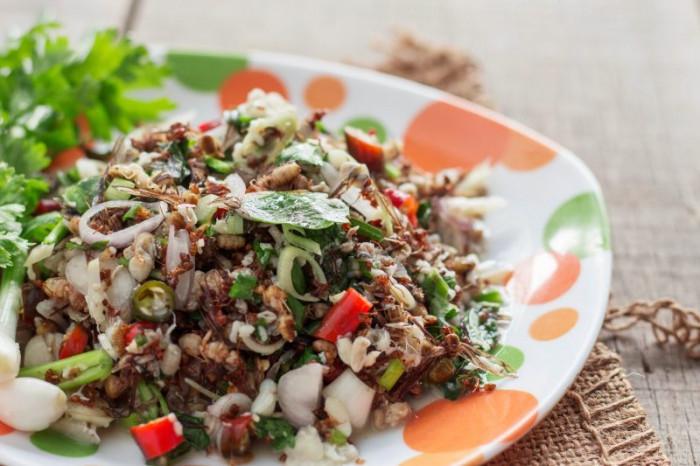 10 món ăn kỳ lạ nhất định phải thử khi du lịch đến Thái Lan - Ảnh 6.
