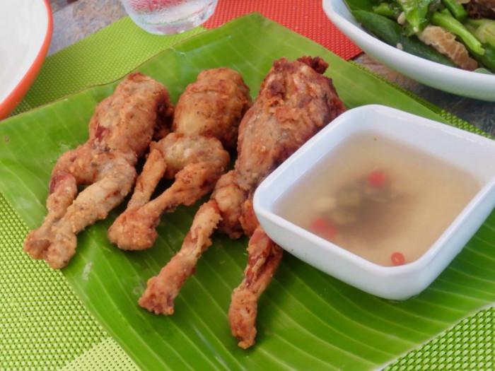 10 món ăn kỳ lạ nhất định phải thử khi du lịch đến Thái Lan - Ảnh 8.
