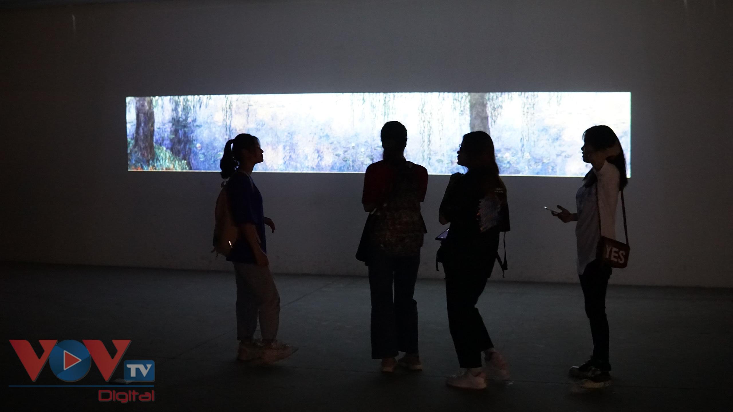 'Lặng yên rực rỡ': Cuộc chu du trong thế giới nghệ thuật - Ảnh 2.