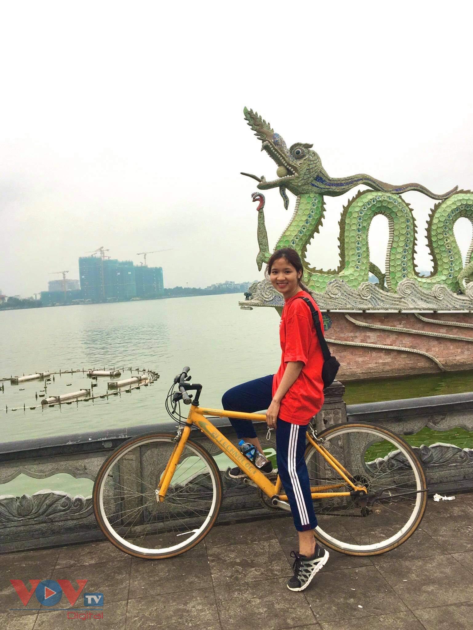 Trào lưu đạp xe hồ Tây thu hút các bạn trẻ - Ảnh 6.