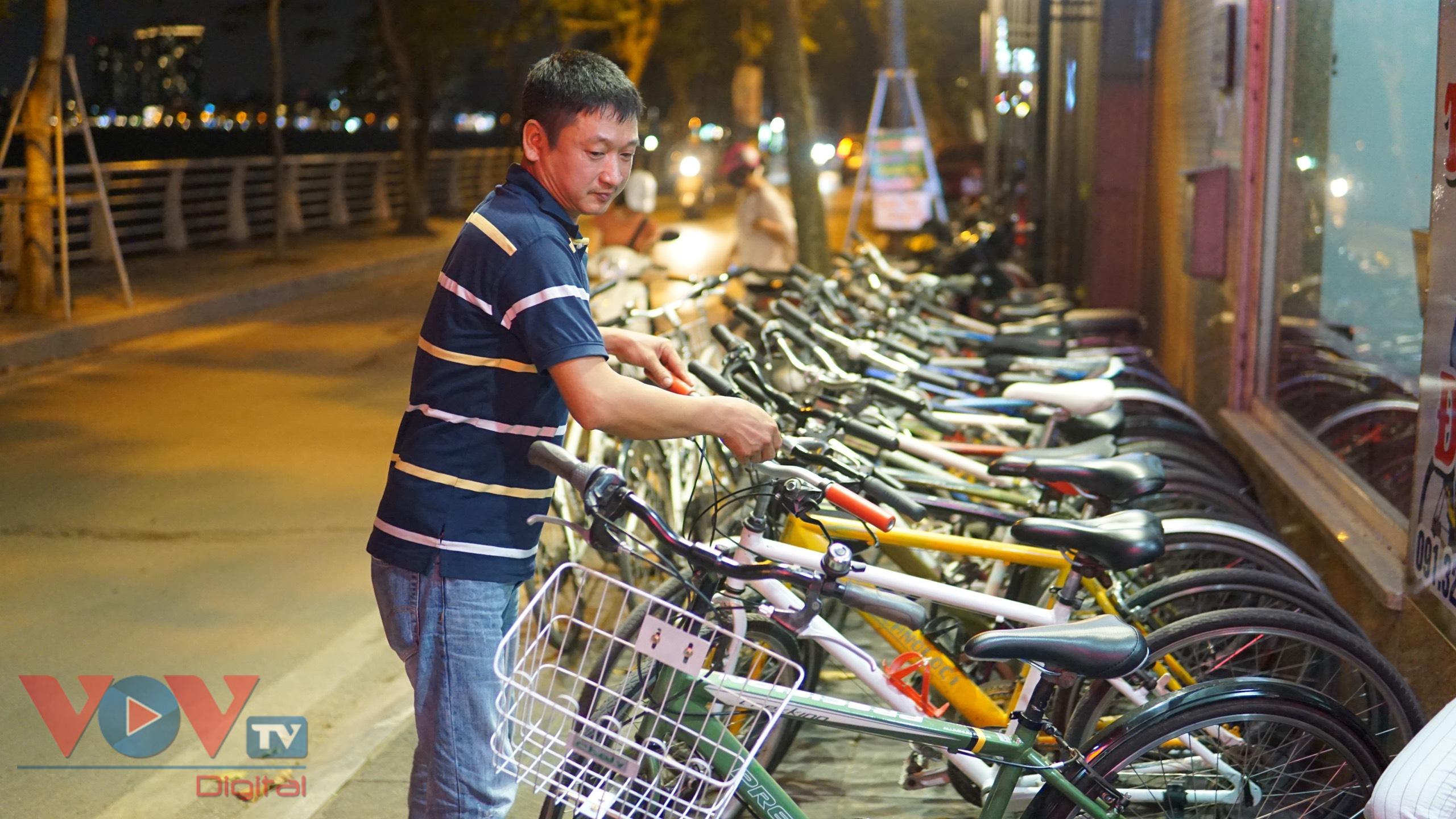 Trào lưu đạp xe hồ Tây thu hút các bạn trẻ - Ảnh 8.
