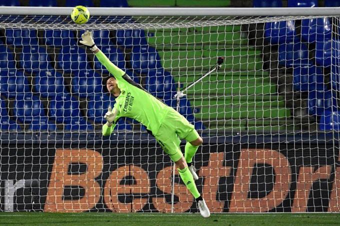 Kết quả Getafe 0-0 Real Madrid: Los Blancos vừa thăng hoa đã hụt hơi - Ảnh 1.