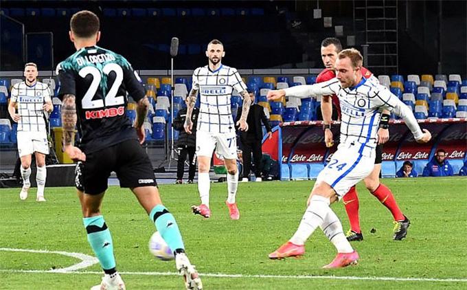 Kết quả Napoli 1-1 Inter: Handanovic sai lầm, Inter chạy chậm lại 'chờ' Milan - Ảnh 2.