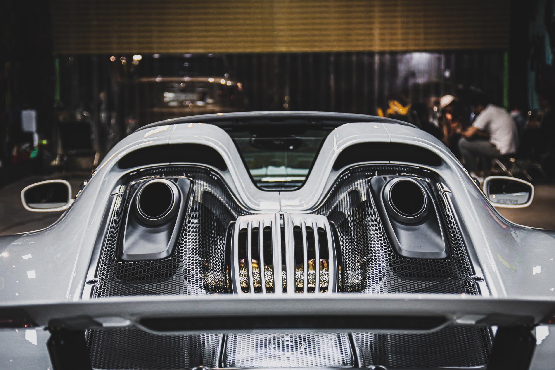 Siêu xe đắt nhất của Porsche về Việt Nam, giá khoảng 60 tỷ đồng - Ảnh 8.